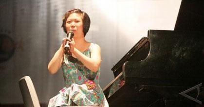 http://img.antaranews.com/2009/8/pianis.jpg
