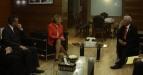 Menteri Koordinator Perekonomian Hatta Rajasa (kanan) bertemu dengan President And CEO OPIC Elizabeth Littlefield (tengah) dan Duta Besar Amerika Untuk Indonesia Scot Marciel (kiri) di Kementrian Perekonomian, Jakarta, Kamis(5/5). Salah Agenda Pertemuan ini adalah membahas Kerjasama Investasi OPIC (Overseas Private Investment Coorporation) dengan Indonesia. (FOTO ANTARA/Nino Halen)