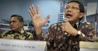 Wakil Ketua MPR, Lukman Hakim Syarifuddin (kanan) menjadi pembicara dalam diskusi yang membahas tentang persiapan Peringatan Pidato Bung Karno 1 Juni, di Kompleks Parlemen, Senayan, Jakarta, Senin (30/5). Ia memaparkan bahwa pada peringatan tersebut, tiga presiden Republik Indonesia, masing-masing Presiden ke-3, BJ Habibie, Presiden ke-5 Megawati Soekarnoputri dan Presiden Susilo Bambang Yudhoyono, akan menyampaikan pidato politik juga. (FOTO ANTARA/Yudhi Mahatma)