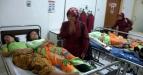 Sejumlah siswa SMA korban kecelakaan angkutan kota berada di ruang Unit Gawat Darurat Rumah Sakit PMI, Kota Bogor, Jabar, Rabu (14/9). Kecelakaan angkutan kota yang disebabkan oleh kelebihan penumpang serta jalan yang menanjak tersebut mengakibatkan sepuluh orang siswa SMA Rimba Madya luka parah. (FOTO ANTARA/Jafkhairi/ed/pd/11)