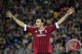 Penyerang Zlatan Ibrahimovic resmi kembali ke Milan