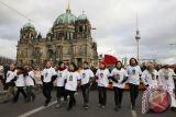 Jerman melarang dan sergap kelompok neo-Nazi Combat 18