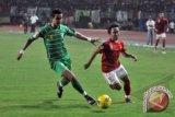 Ruben Sanadi perpanjang kontraknya dengan Persebaya Surabaya