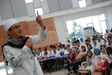Wamenag: Jangan malu ikuti jejak Uje
