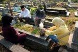 Harga Bunga Tabur Makam Melonjak Empat Kali Lipat