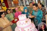 Bupati Kotim Potong Kue Memperingati Hari Ibu Ke - 84
