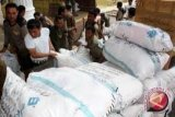 Komunitas perempuan berjilbab bantu korban banjir Palembang