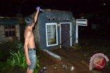 Dua Rumah Hanyut Akibat Banjir Bandarlampung