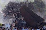 Pesawat penumpang jatuh sesaat usai lepas landas di Kazakhstan, 12 tewas