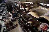 Produksi genteng menurun