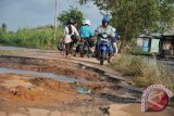 Warga Baturaja keluhkan jalan rusak belum diperbaiki