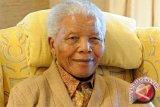 Selebritis Dunia Ratapi Kepergian Nelson Mandela
