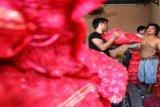 Bawang Tidak Mahal/Foto Joko Sulistyo