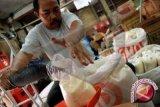 Harga gula pasir di Manado stabil