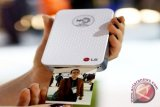 LG Pocket Photo Printer bidik remaja