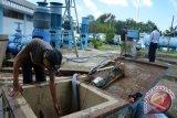 PDAM bersihkan lumpur pipa saluran air, distribusi ke pelanggan terganggu