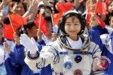 China Selesaikan Misi Antariksa