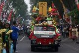 Penyapu Jalan Magelang Sambut Kedatangan Piala Adipura