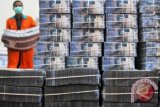 Police Shoot Dead Two Bank Robbers