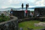 Benteng Keraton Buton akan Dibungkus Tenun