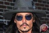 Johnny Depp jadi penyihir di film Fantastic Beasts