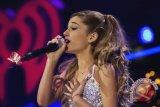 Ariana Grande tampil pada pemakaman Aretha