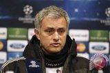 Jose Mourinho dan sejumlah bintang dukung Infantino