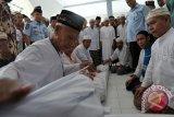 Gubernur Sumsel khawatir semakin berkurang petugas memandikan jenazah