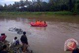 Tim SAR BPBD lakukan pencarian bocah hanyut di sungai