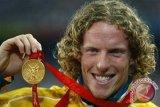 Mantan juara Olimpiade lompat galah mundur