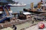 Pelabuhan Merak Masih Sepi