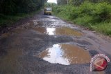 Warga Baturaja keluhkan jalan ogan rusak