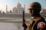 Turis menghindari Taj Mahal akibat merebaknya protes di India