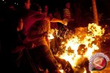 Seorang warga bakar diri karena masalah rumah tangga
