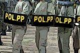 Satpol PP Pariaman bina sepasang remaja bermesraan di lokasi bekas mimbar MTQ