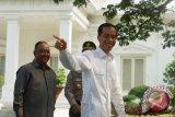 Kondisi KH Hasyim Menurun Jokowi Tawarkan Bantuan Dokter Kepresidenan