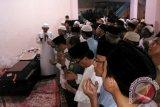 Pramugari Khairunisa dishalatkan di rumah duka Palembang