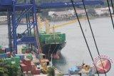 Bongkar muat barang di Jayapura 1.055.270 ton
