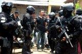 Tim Densus 88 Antiteror temukan bahan peledak di rumah terduga teroris