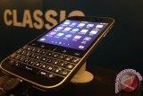 Mirip Bold 9900, Ini Beda Blackberry Classic