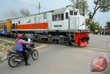 390 perlintasan KA di Daop IV Semarang tanpa palang pintu