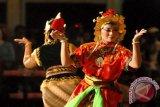 Publik Inggris Terpana Tarian Kraton Mangkunegaran