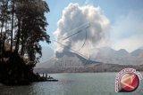 Abu vulkanik letusan Barujari sampai Banyuwangi