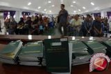 Kantor Imigrasi Palu Diserbu Ratusan Warga Tiongkok