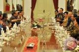 Presiden Dialog Dengan 17 Komedian