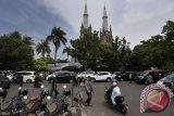Pengurus Gereja Katedral Jakarta sediakan kantong parkir saat Shalat Id