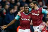 Burke antar West Ham ke babak empat Piala FA