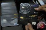Bank Mandiri catat transaksi  kartu kredit Rp12,3 triliun