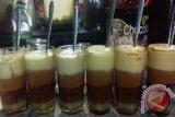 Teh talua ampek lenggek minuman khas Ranahminang