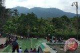 Ribuan Wisatawan Nikmati Pemandian Air Panas Jaboi Sabang